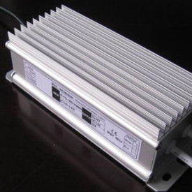 各種電力電源問題對電腦設備有何影響?