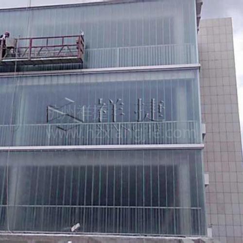 重庆石柱县民族文化中心1500方彩色U型玻璃(淡蓝色)工程