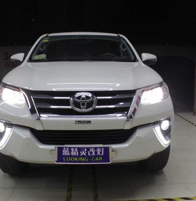 上海疝气灯改装丰田奔跑者改海拉5透镜飞利浦氙气大灯