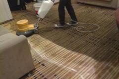 上海办公室地毯定期清洗保养过程