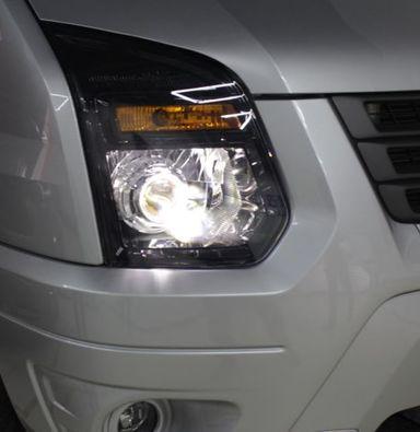 福特全顺卤素大灯总成改装米石智能LED车灯