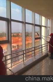 办公楼室内玻璃清洗