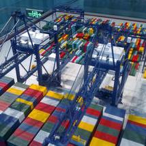 港口集裝箱堆場