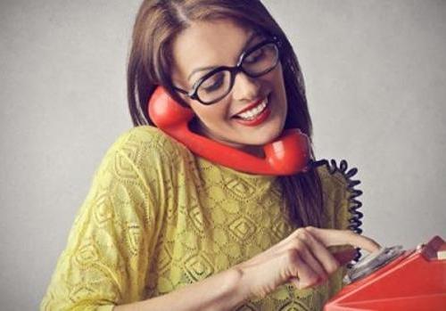 打电话英语对话,从自我介绍开始电话交谈