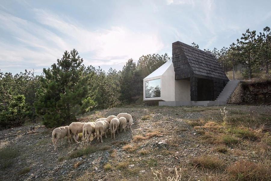 Divcibare住宅
