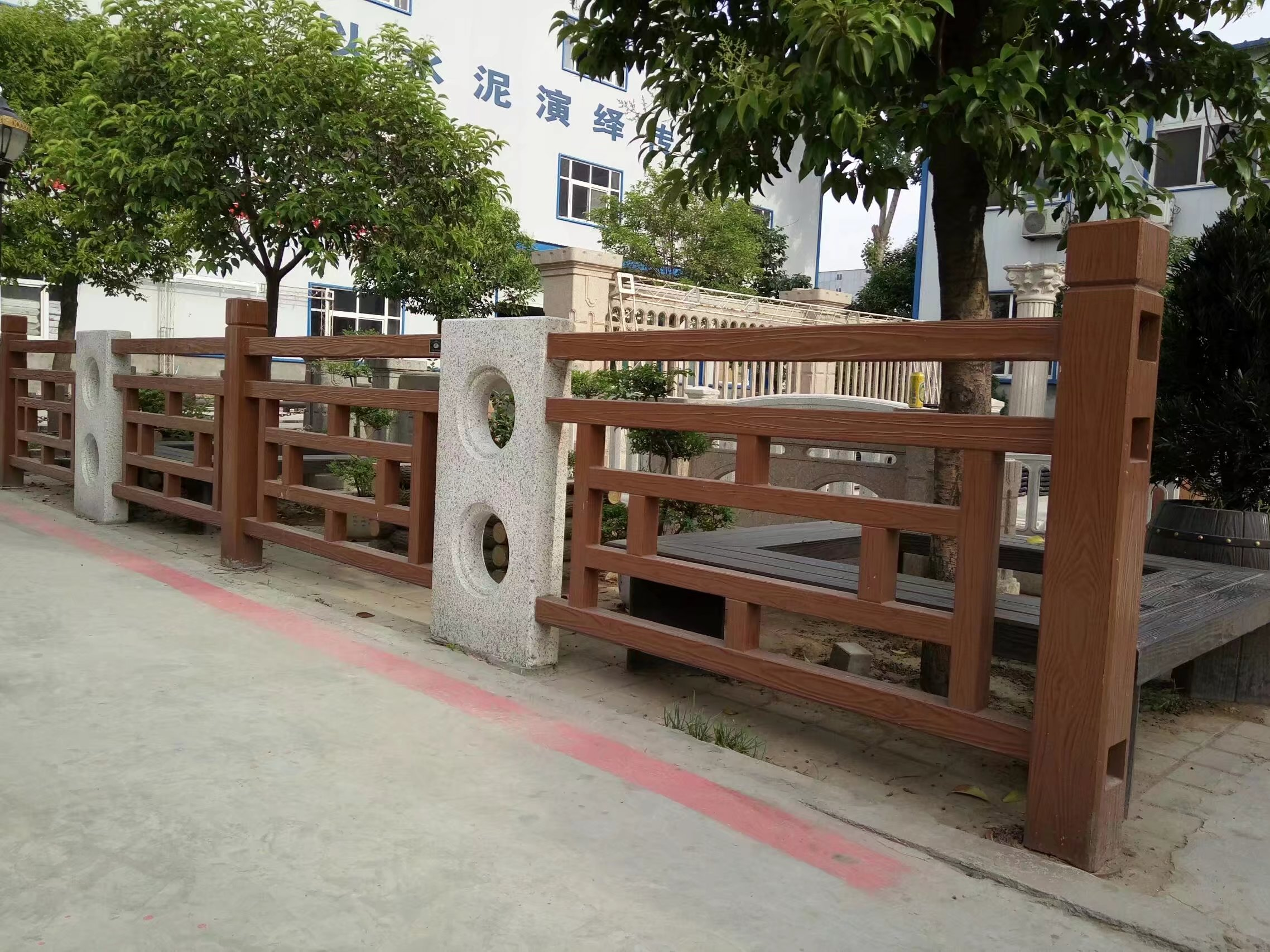 仿木方格护栏1.jpg