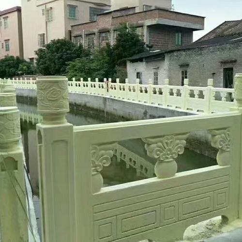 1.6米雕花河堤护栏案例