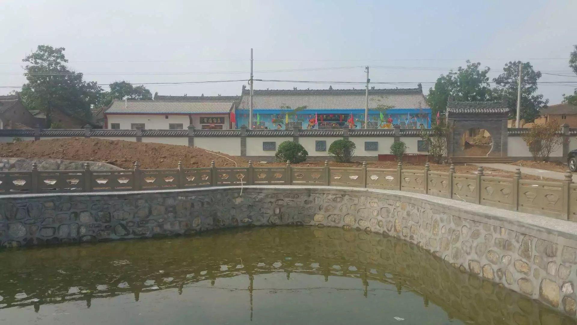 扇形河堤护栏2.jpg