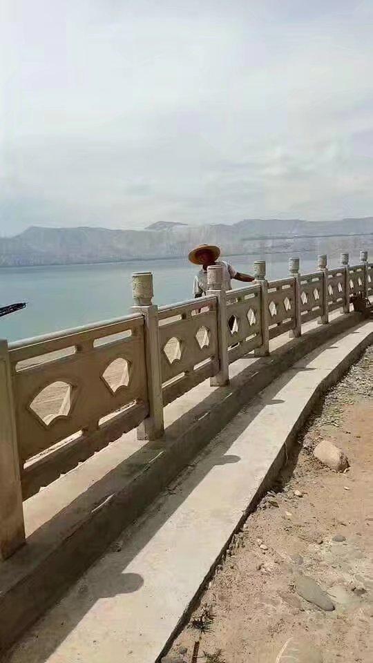 扇形河堤护栏37.jpg