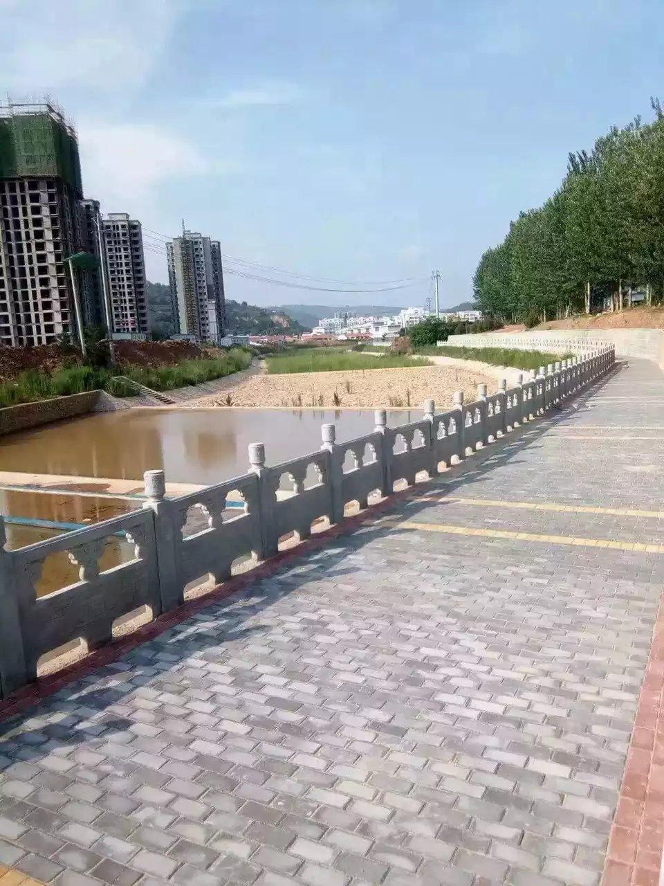 1.6米雕花河堤护栏2.jpg