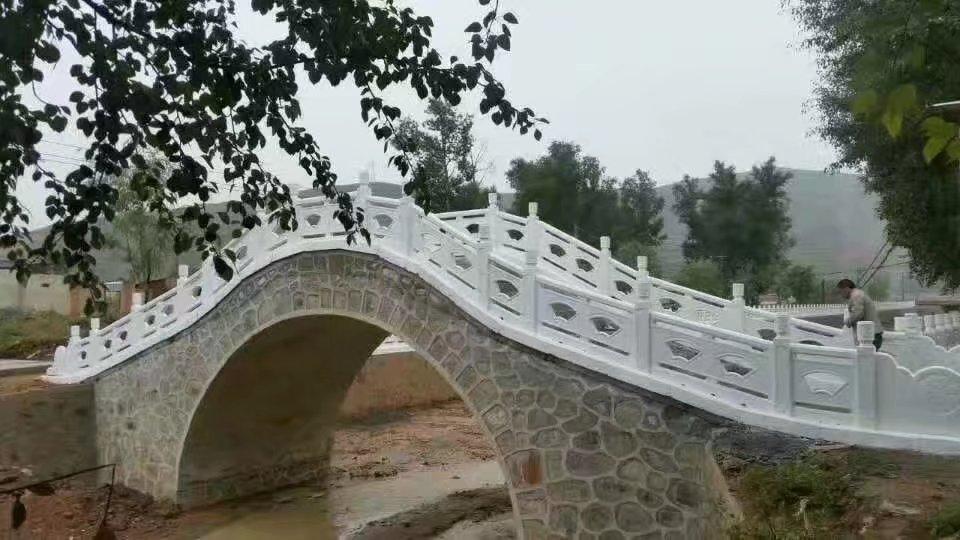 扇形河堤护栏39.jpg