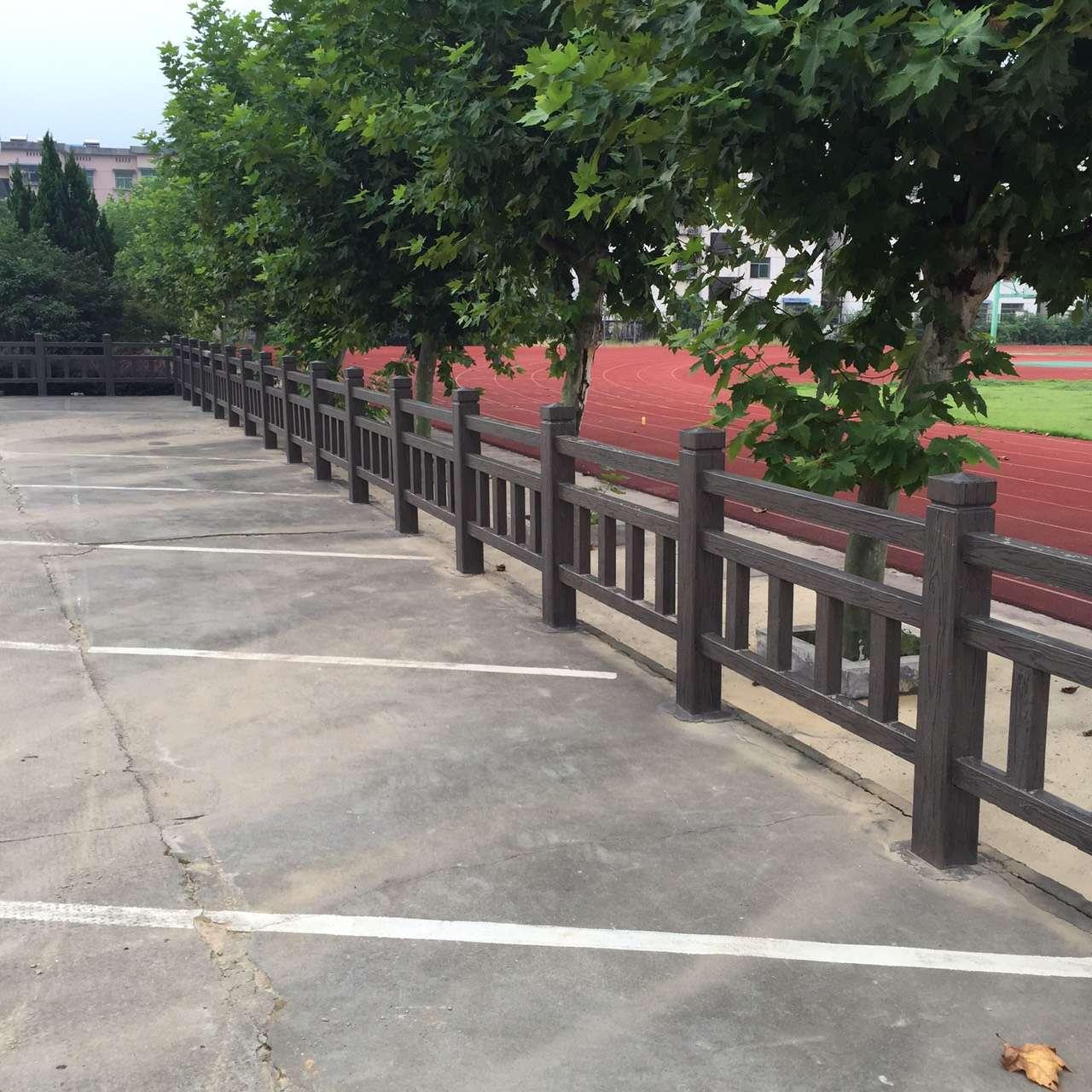 1.5米仿木护栏16.jpg