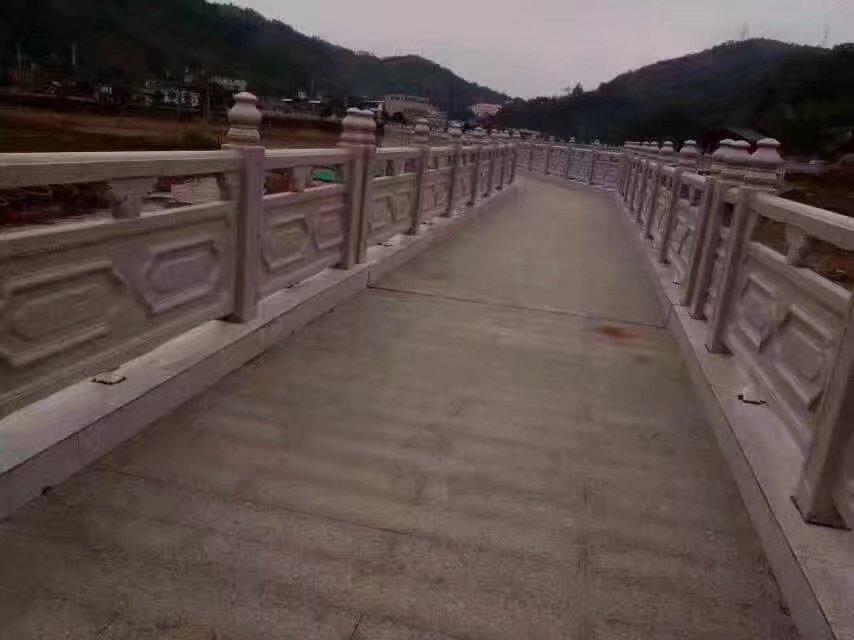 1.9米雕花河堤护栏20.jpg