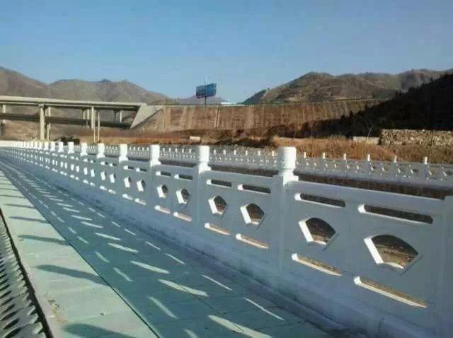 扇形河堤护栏42.jpg