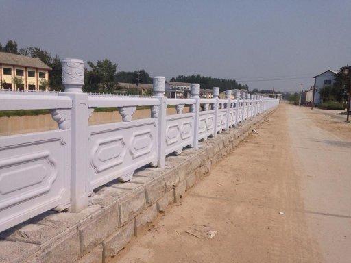 1.9米雕花河堤护栏1.jpg