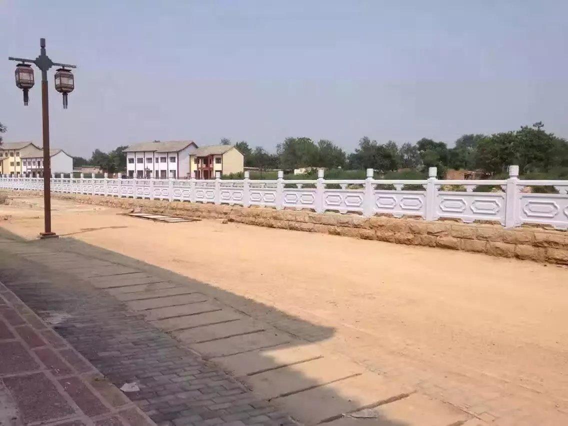 1.9米雕花河堤护栏3.jpg