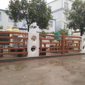 仿木方格护栏