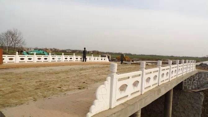 扇形河堤护栏49.jpg
