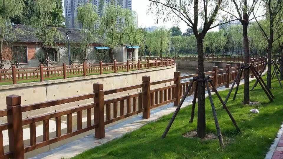 1.8米仿木护栏23.JPG