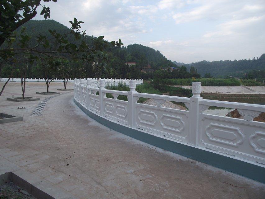 1.9米雕花河堤护栏12.jpg