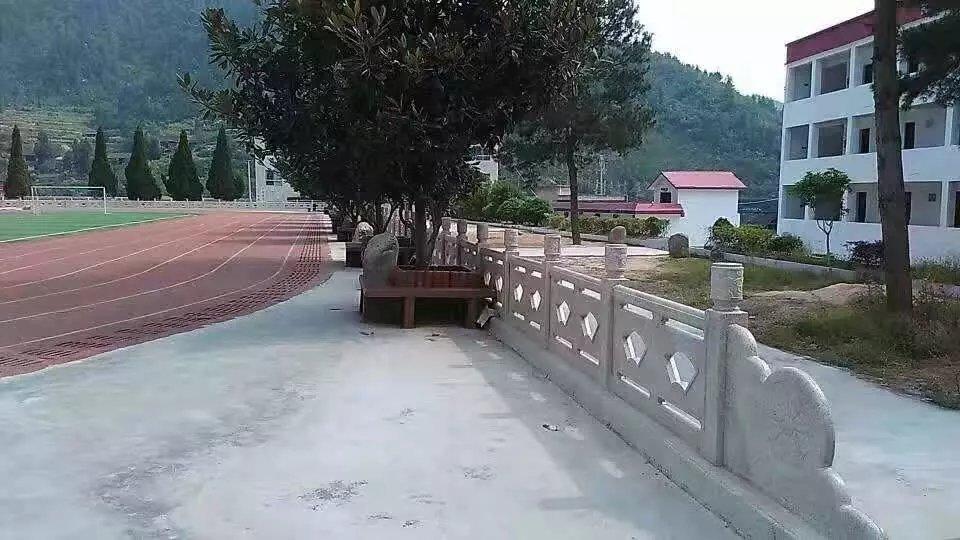 扇形河堤护栏40.jpg