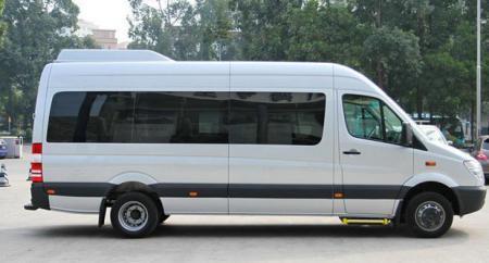 上海租15-23座中巴车一天多少钱