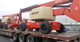 2台柴油曲臂式高空作业车交付国外