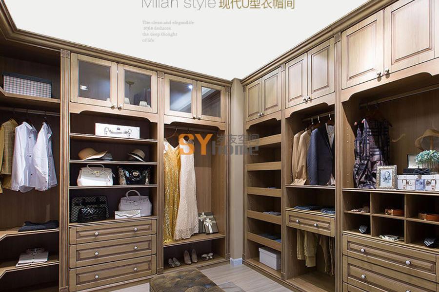 米兰风格衣柜