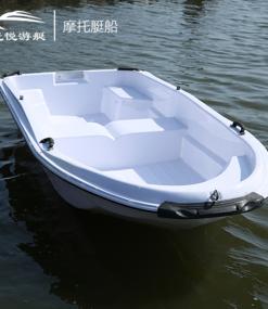 双层豪华摩托艇船