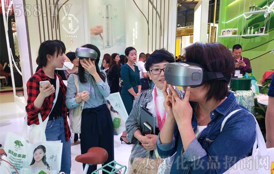 第23届上海CBE美博会,百雀羚在美妆盛宴上再次耀动全场十二