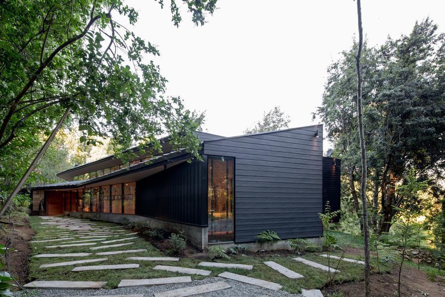 造型獨特,視野極佳的Y型住宅