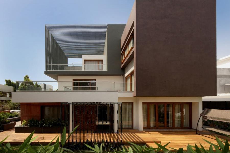 虛實相間,體形錯落的立方體住宅
