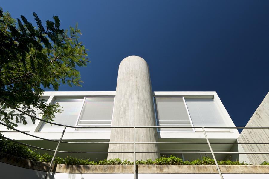 低调素雅,与场地互动的SAN住宅
