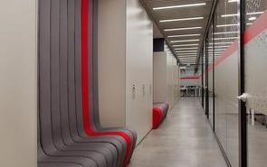 上海办公室设计中走廊过道的设计装修需要注意什么