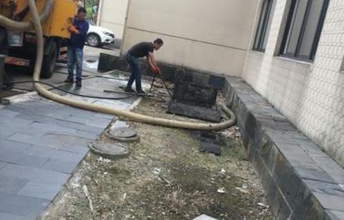 浦东学校食堂隔油池清抽、隔油池清洗、油污管道疏通