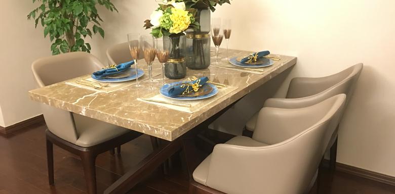餐桌.png