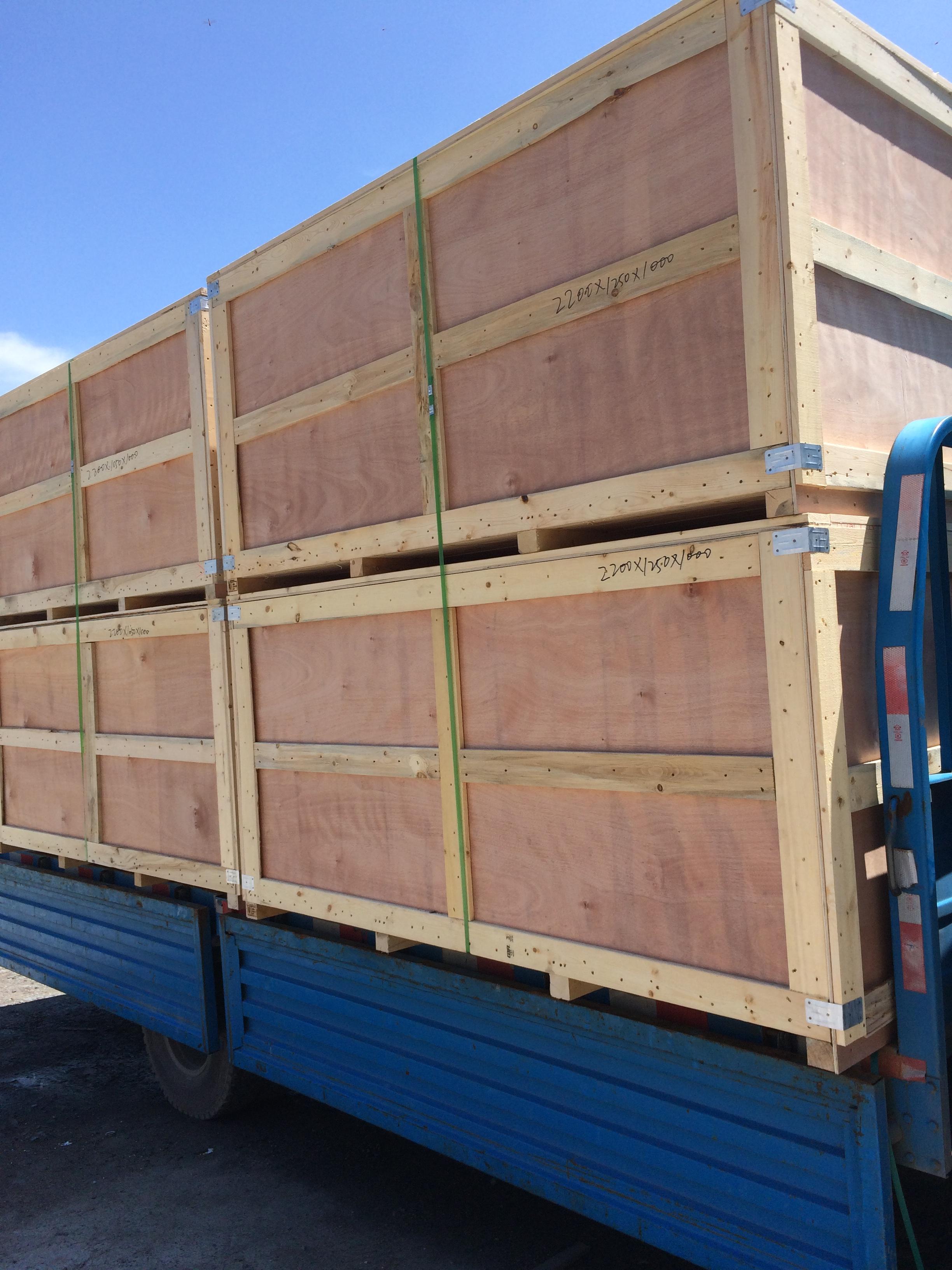 大型木箱.jpg