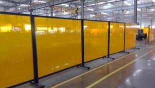 快速卷帘门在工业建筑中的应用
