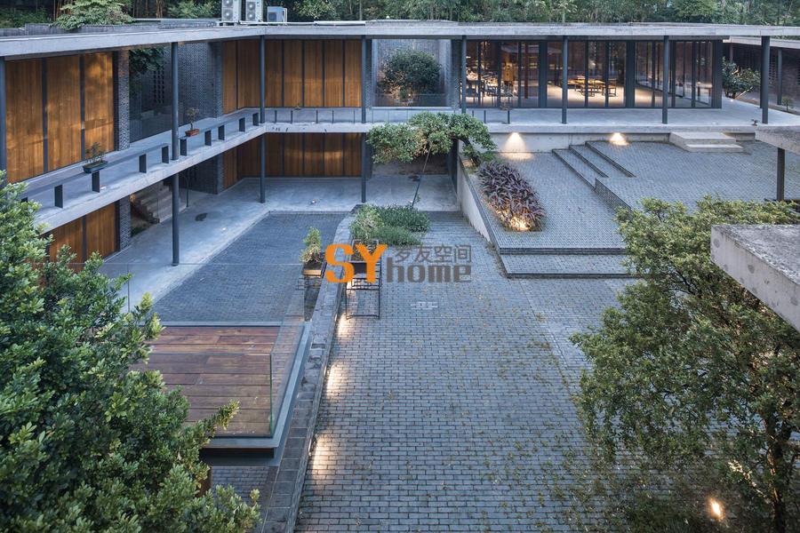 用钢和混凝土重新诠释的中国传统宅院 — 叠园宅