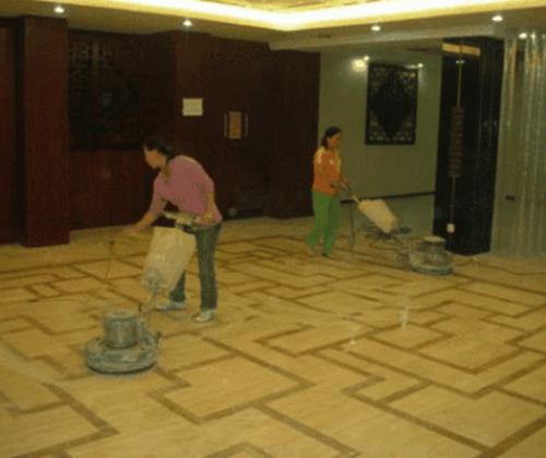 公司常年定期托管保洁-拥有专业培训的保洁管理人员和技术人员