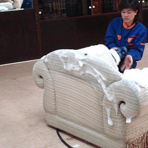 真皮沙发清洗 保养有着丰富的经营