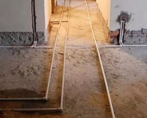管道工施工现场