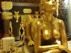 玻璃钢贴金箔雕塑