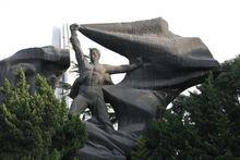 浦江潮雕像
