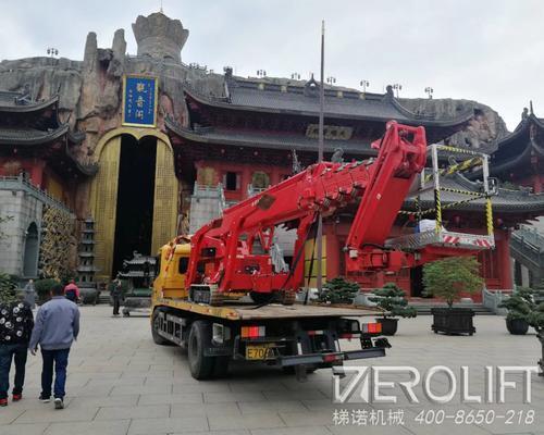 36米蜘蛛车助力上海某大型寺庙翻修工程
