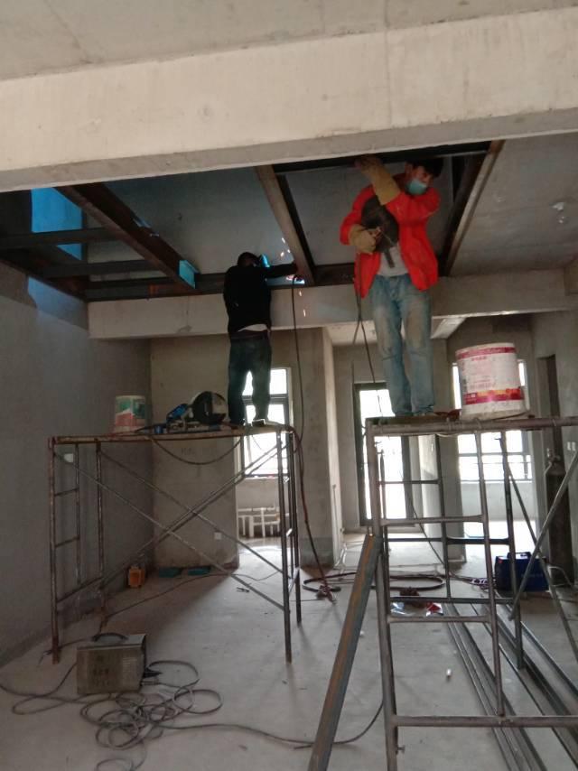 「閣樓搭建」家裝中*常見的搭建方式是鋼結構隔層