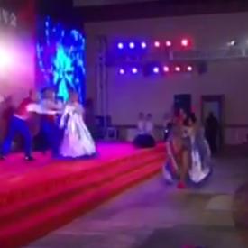 外籍康康舞演出视频