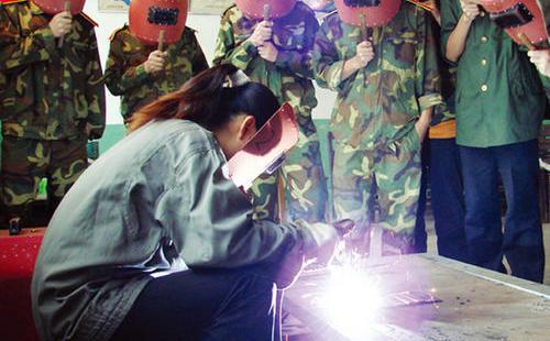 电焊操作证培训,上海焊工证培训,焊工证换证、焊工证复证