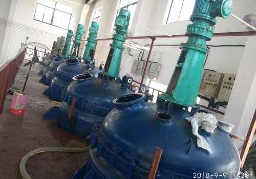 單組份聚氨酯膠粘劑生產車間(二)