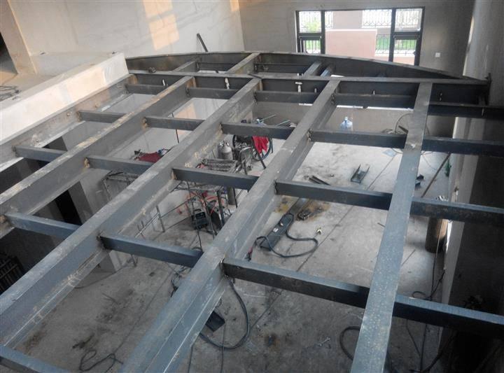 「阁楼搭建」槽钢楼板的*关键一点就是槽钢两端的固定